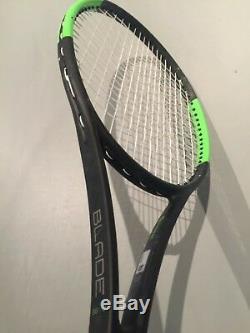 Wilson Blade 98 16x19 CV STRUNG 4 1/8 (Tennis Racket Countervail 304g 10.7oz)