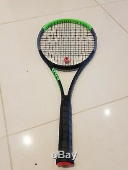 Wilson Blade 98 305g (16 x 19) v. 7 (latest model)slightly used. Great Condition