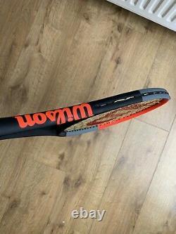 Wilson Clash 98 Tennis Racket. Grip 3