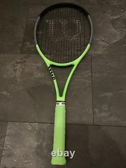 Wilson blade 98 V7 16x19 Reverse Colour. Grip 3